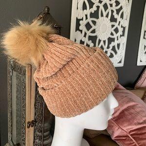 Francesca's warm soft cozy beanie